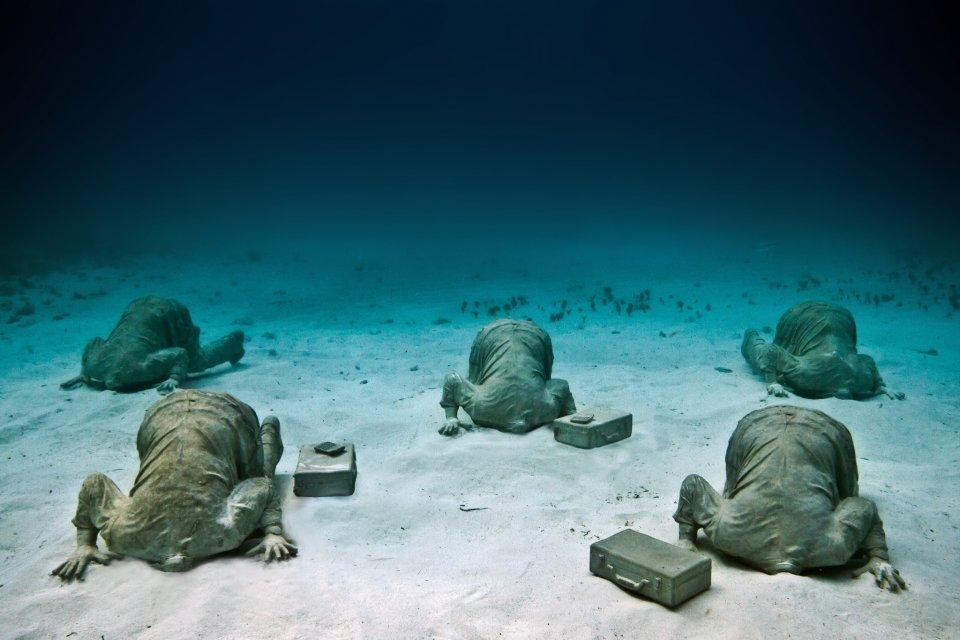 Banker jason decaires taylor sculpture
