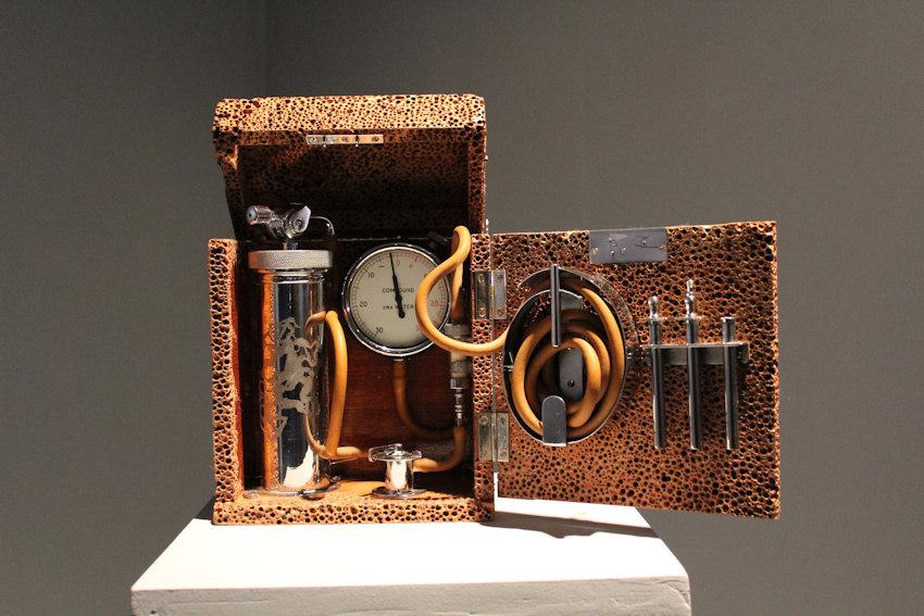 Pneumothorax machine in Romantic Disease